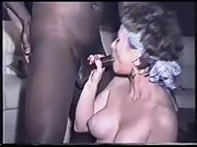 Massive tit cougar worships a huge dark boner